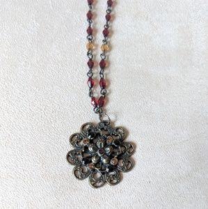Beautiful Vintage-style Beaded Necklace